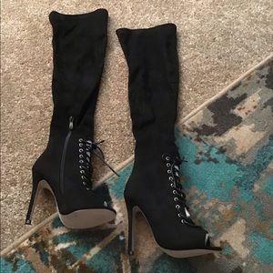 NWOT : Black Peep Toe Lace Front Boots 5 1/2